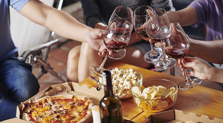 773x427_Takeaway-pizza-wine.jpg